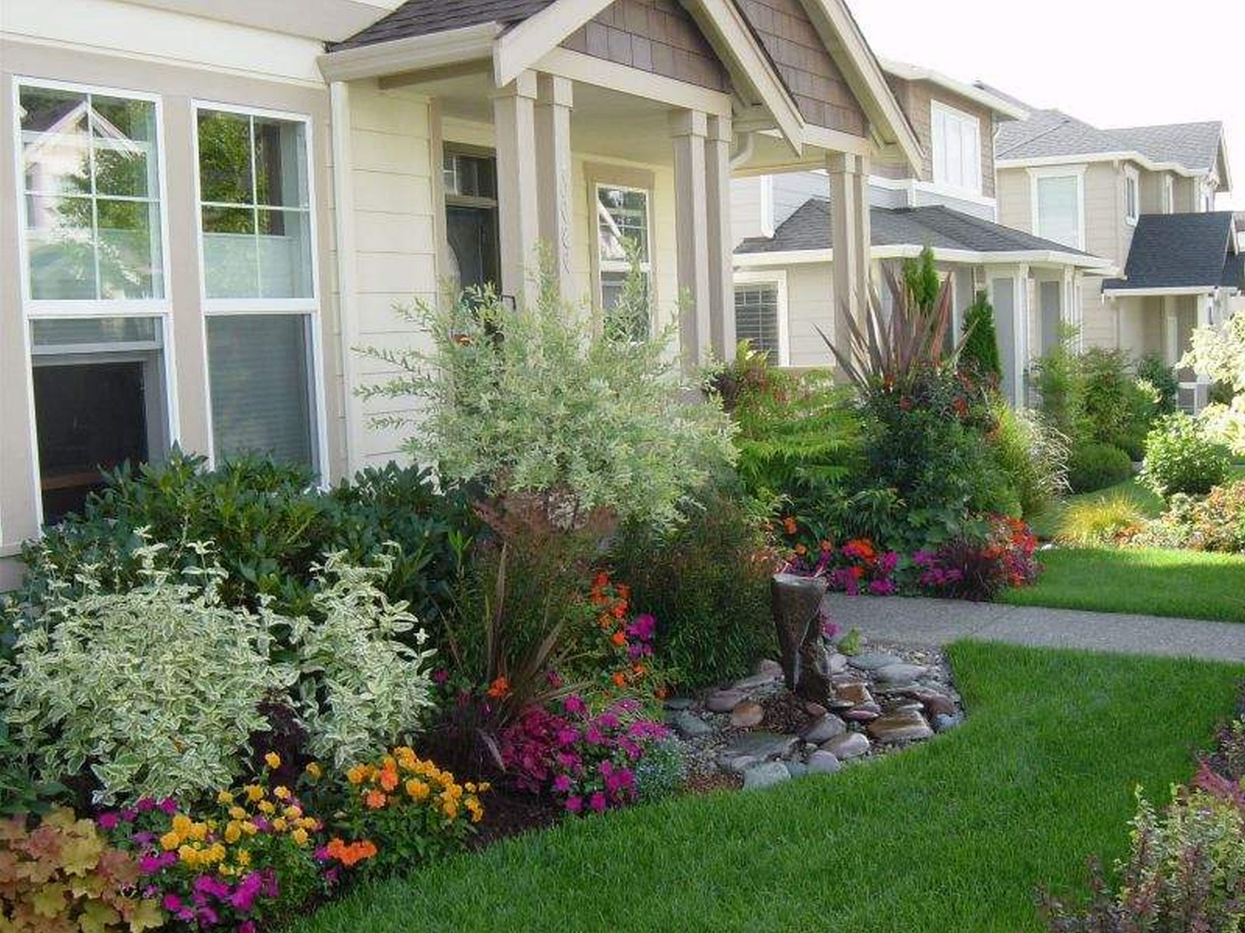 Gorgeous Flower Garden Ideas In Front Of House