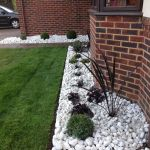 Adorable Front Garden Border Ideas