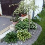 Amazing Small Flower Bed Ideas For Front Of House