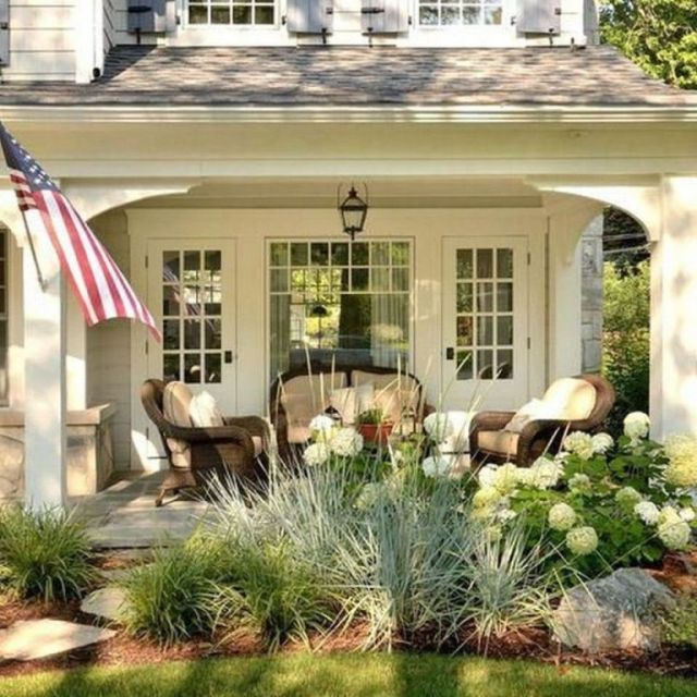 Fantastic farmhouse front yard landscaping ideas