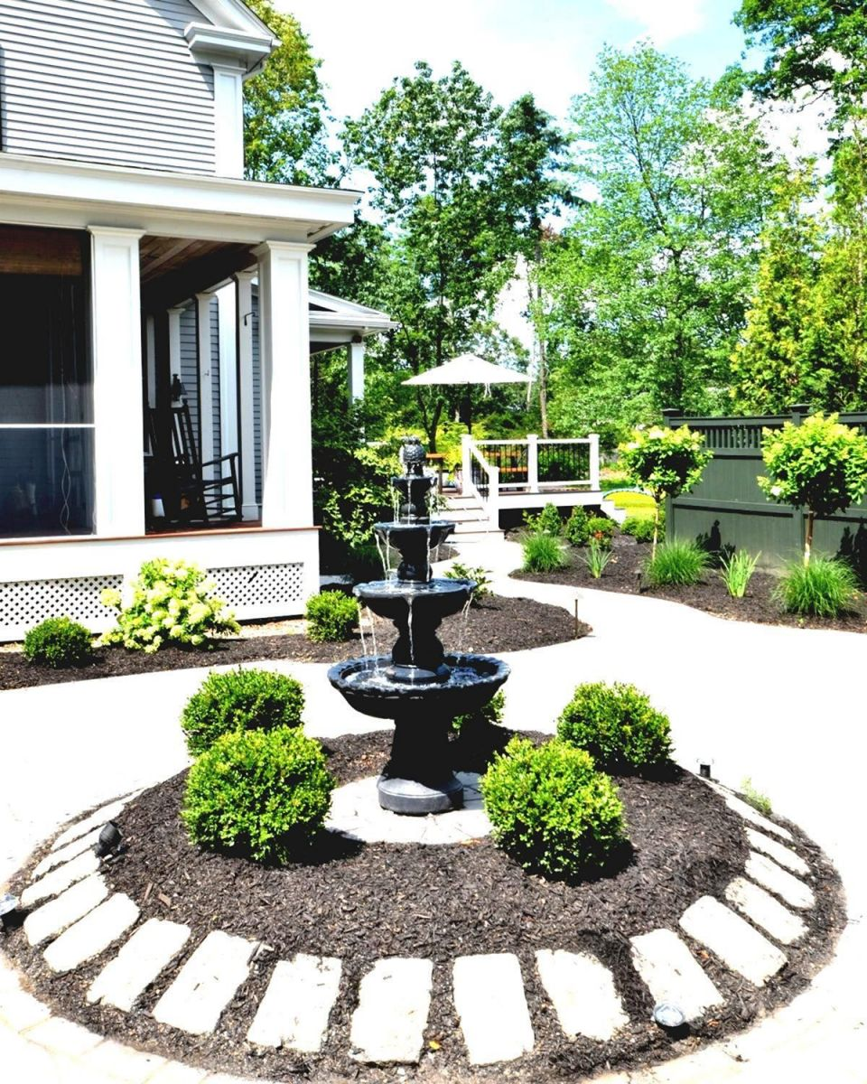 Adorable  front yard landscaping ideas with fountains