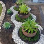 Amazing Flower Bed Ideas With Rocks