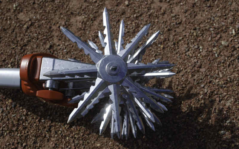 corona disc cultivator tines from side