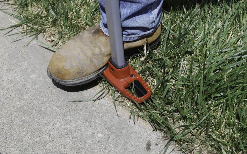 corona edgemaster used at driveway's edge