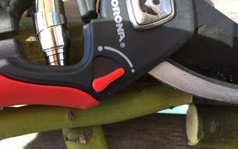 Corona Adjustable Grip sizing lever