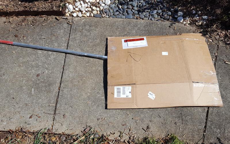 Corona BigLOAD leaf rake packaging.