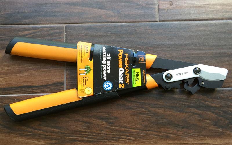 Fiskars-PowerGear-2-Lopper-packaging