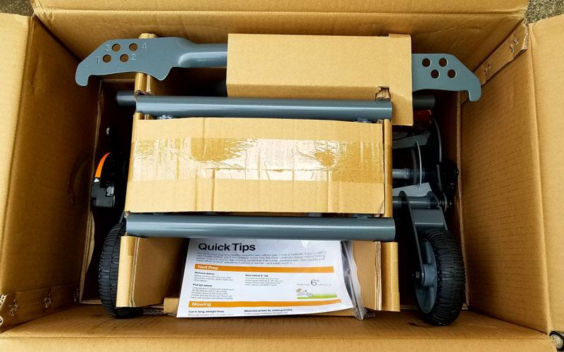 Fiskars Reel Mower 3 Nice packing
