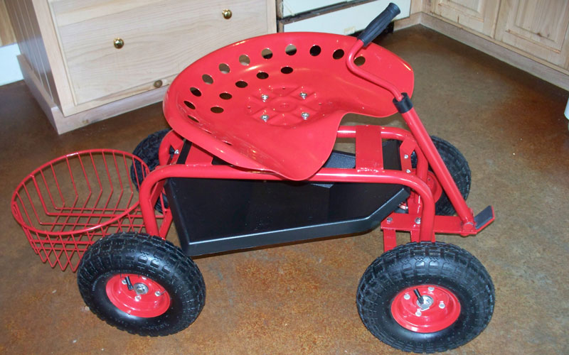 Gardeners Supply Tractor Scoot Fully Assembled