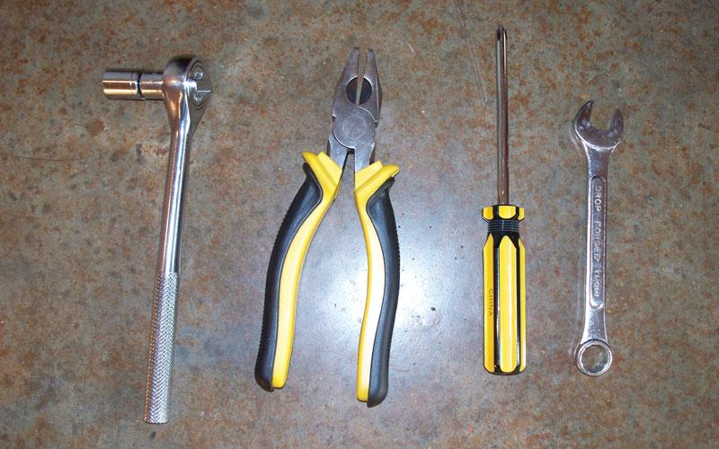 Gardeners Supply tractor scoot tools needed