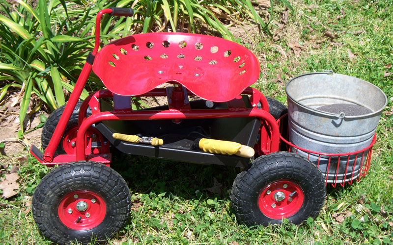 Gardeners Supply tractor scoot tray use