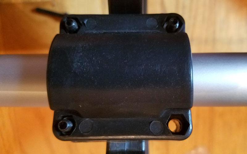Redback-120v-String-Trimmer-tighen-handle-to-shaft-10
