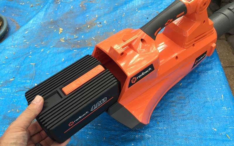 Redback-40V-Cordless-Blower-installing-battery