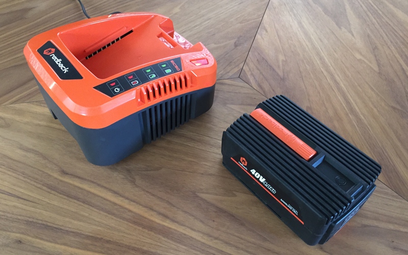 redback-40v-blower-battery-with-charger