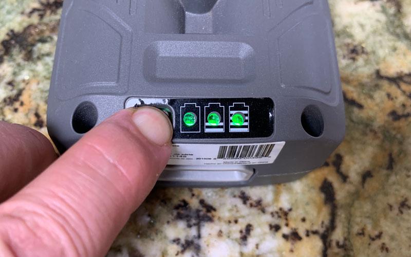 Sun-Joe-Cordless-Pressure-Washer-battery-LED-lights