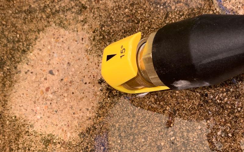 Sun-Joe-Cordless-Pressure-Washer-test-on-concrete