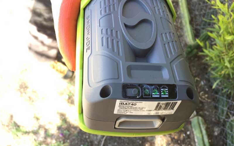sunjoe-chainsaw-pole-pruner-battery-indicator