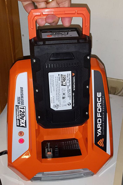 Yard Force Blower li-ion battery charger