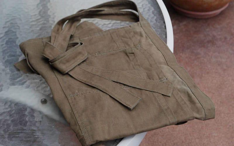 gardeners-supply-folded-apron