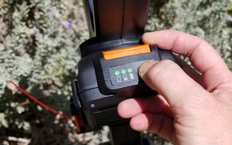 battery gauge on WORX GT Revolution string trimmer