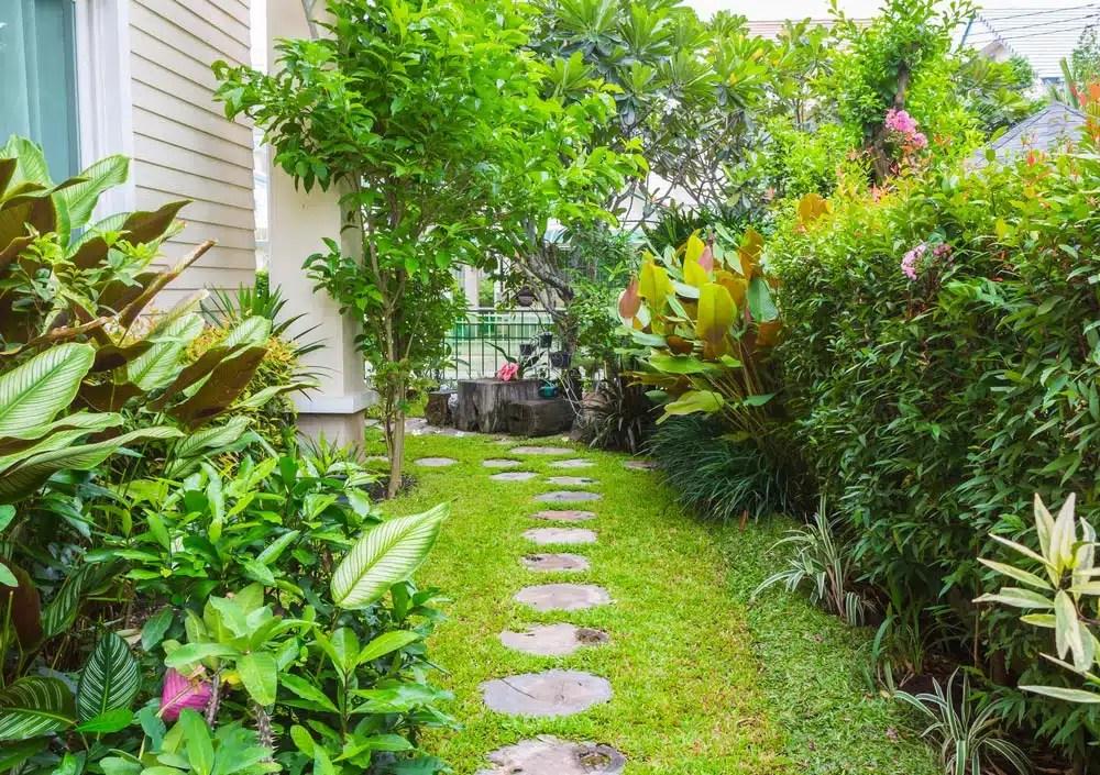 23 Super Cool Backyard Garden Ideas on Cool Backyard Patio Ideas id=16535