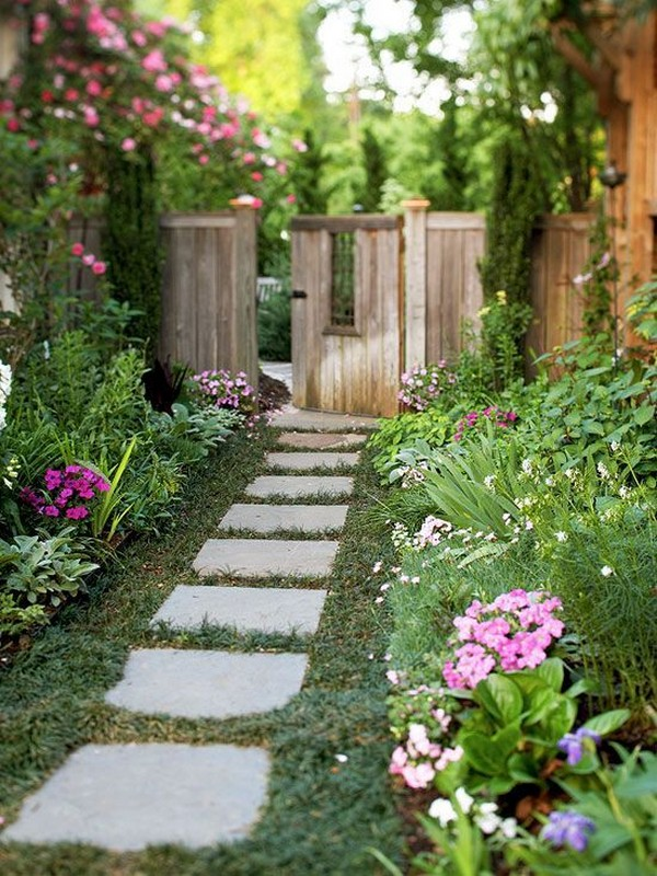 15 Absolutely Stunning Side Yard Decor Ideas You Must See on Side Yard Designs  id=68037