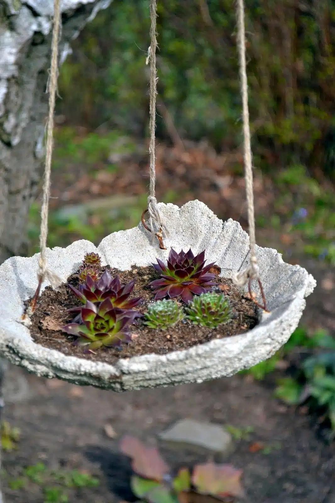 DIY Concrete Garden Decor That Will Steal The Show For Sure on Diy Garden Decor  id=43084