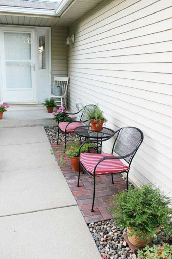 23 Easy-to-Make Ideas Building a Small Backyard Seating ... on Small Garden Sitting Area Ideas  id=29612