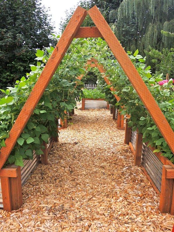 12 Vertical Vegetable Garden Ideas that will Blow Your ... on Vegetable Garden Ideas For Backyard id=68649