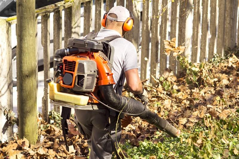blower backpack with gardener