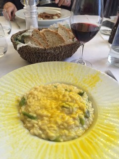 Risotto with asparagus, saffron and passion fruit.