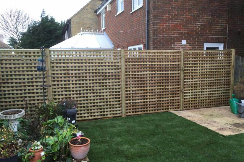 A picture of a newly installed fence