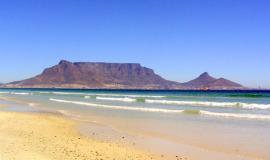 table_mountain_and_the_ocean_cape_town