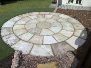 Circular paving and gravel