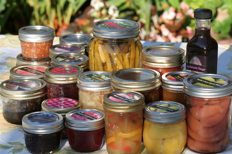 https://i1.wp.com/gardentherapy.ca/wp-content/uploads/2010/10/Collection-of-Canning-Labels-2.jpg