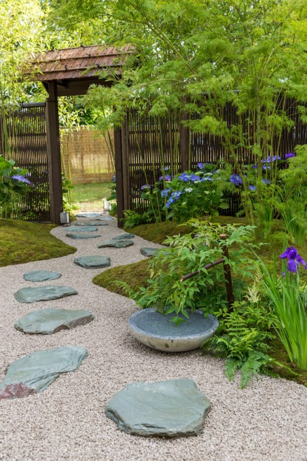 Japanese Summer Garden. Designed by: Saori Imoto (a partner designer of Studio Lasso). Sponsored by: Unique Japan Tours and Nomura Foundation. RHS Hampton Court Palace Flower Show 2016.