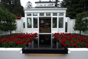 Vivid Design: The Gardener's Library
