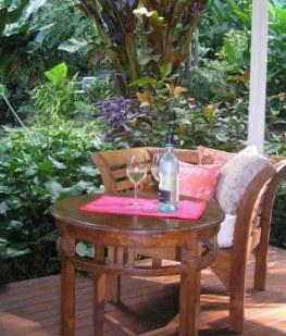 Tabu B&B outdoor dining