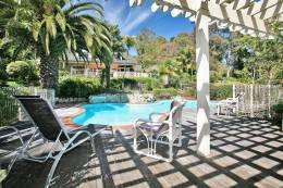 Relax by the pool at Havelock House, Hawke's Bay NZ