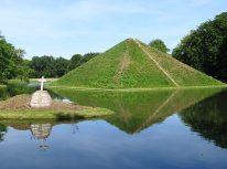 Pyramid grave in Fürst Pückler Park, Branitz. Photo Ekeha