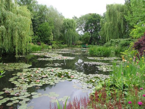 The famous bridge view at Monet's garden in Giverny. Photo Helen Young