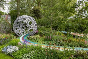 The Brewin Dolphin Garden ñ Forever Freefolk. Designed by Rosy Hardy. Sponsored by: Brewin Dolphin. RHS Chelsea Flower Show 2016.