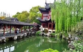 Shanghai temple garden Photo LalouBlue