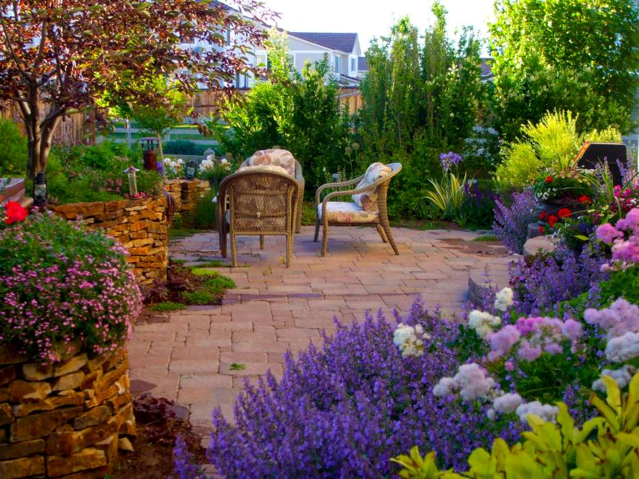Photos | Breathtaking Rocky Mountain Gardens, Patios and ... on Mountain Backyard Ideas id=68562