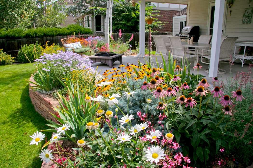 Photos | Breathtaking Rocky Mountain Gardens, Patios and ... on Mountain Backyard Ideas id=91495