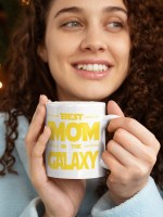 skodelica-best-mom-in-the-galaxy-bela-unikatni-tisk-garderoba-ljubljana