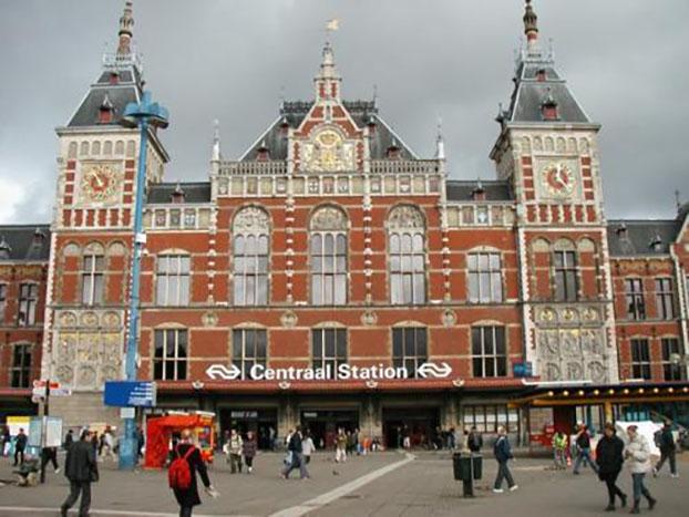 gare centrale d'Amsterdam