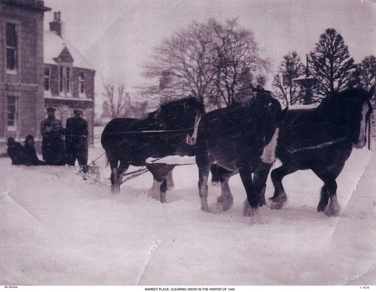 1 1G f4 Snow Clearing in Market Place 1940