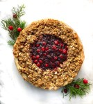 Cranberry crumble pie