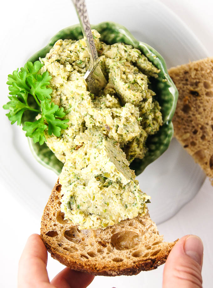 Brussels Sprouts and Horseradish Pate
